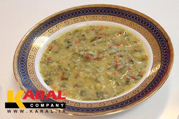 طرز تهیه سوپ تره فرنگی مدرن در ظروف کارال